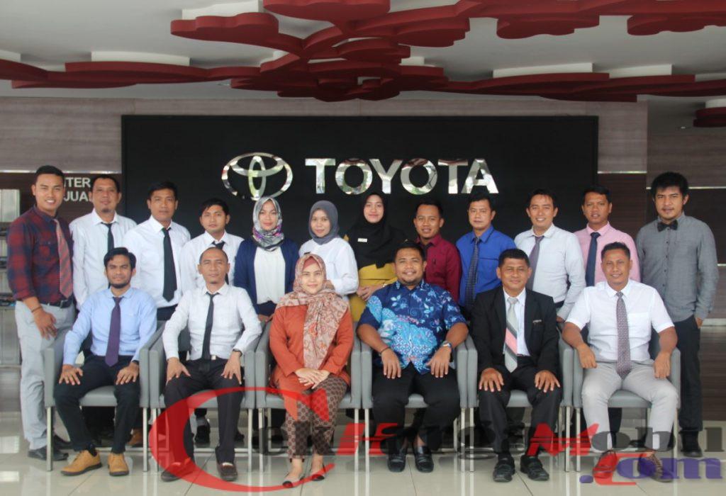 Sales Dealer Toyota Madura